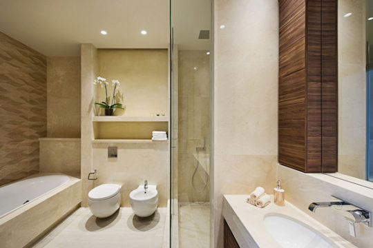 Dionysos-bathroom1