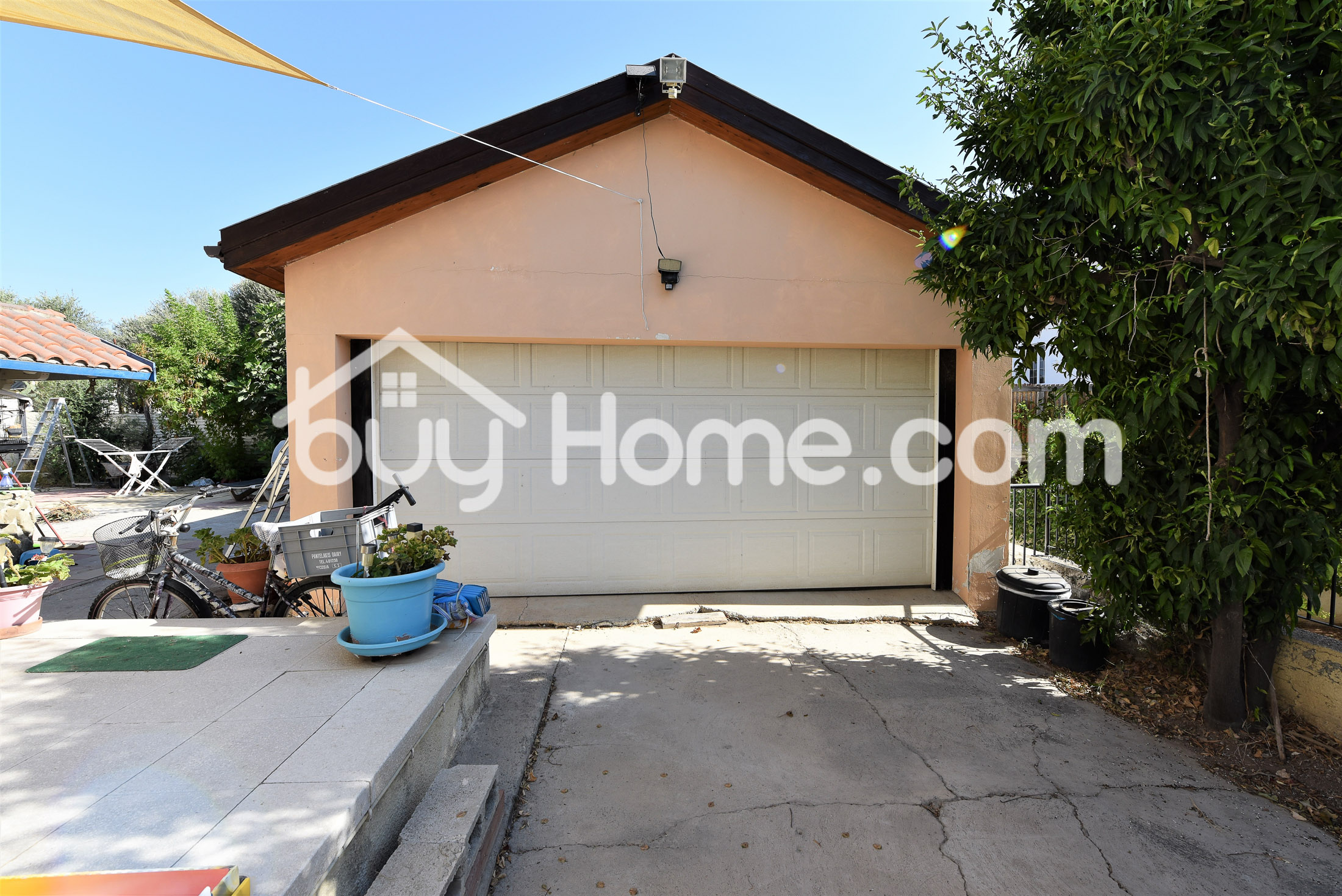 5 bedroom house in Livadia | BuyHome