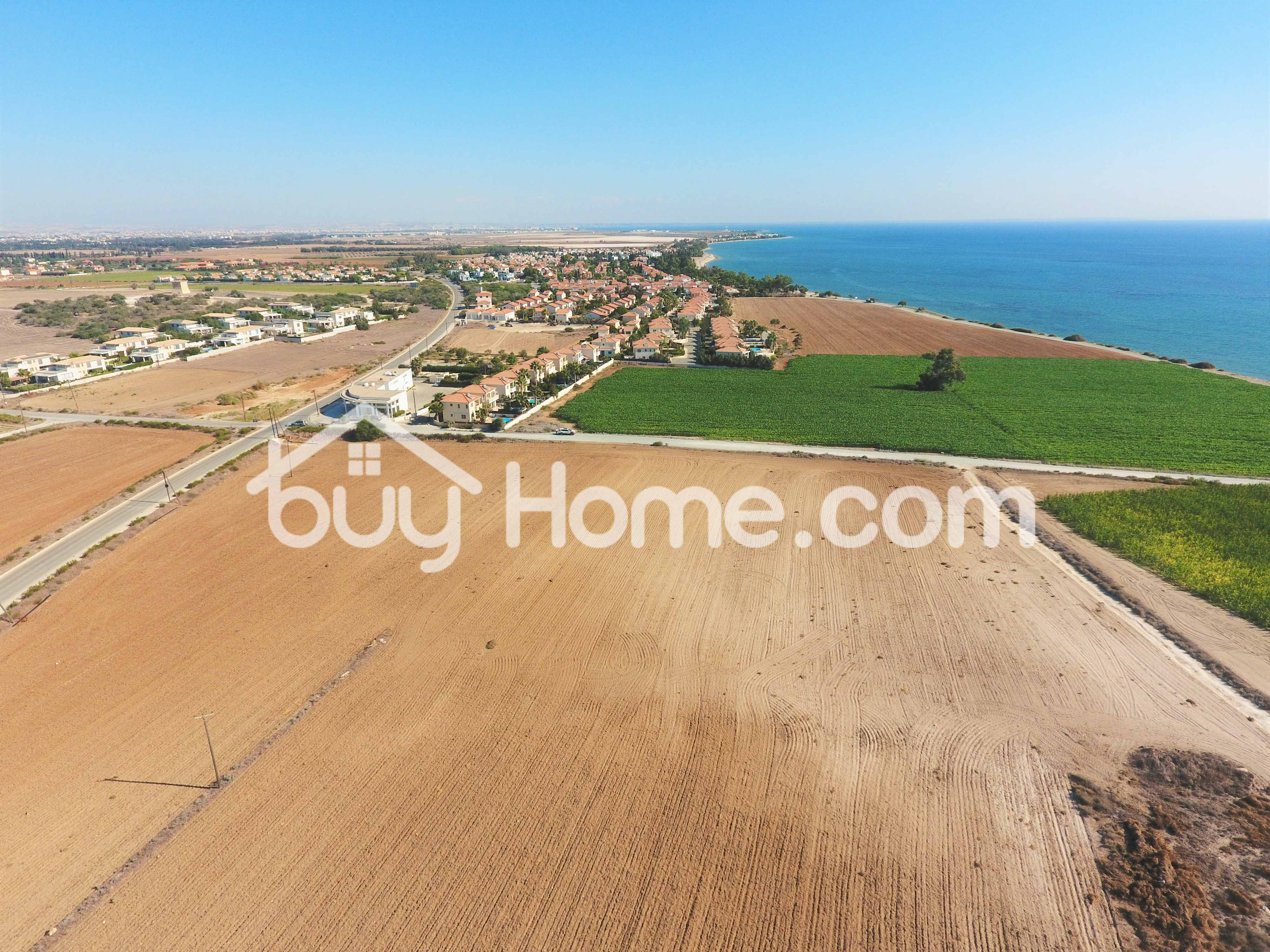 Touristic Land in Pervolia | BuyHome