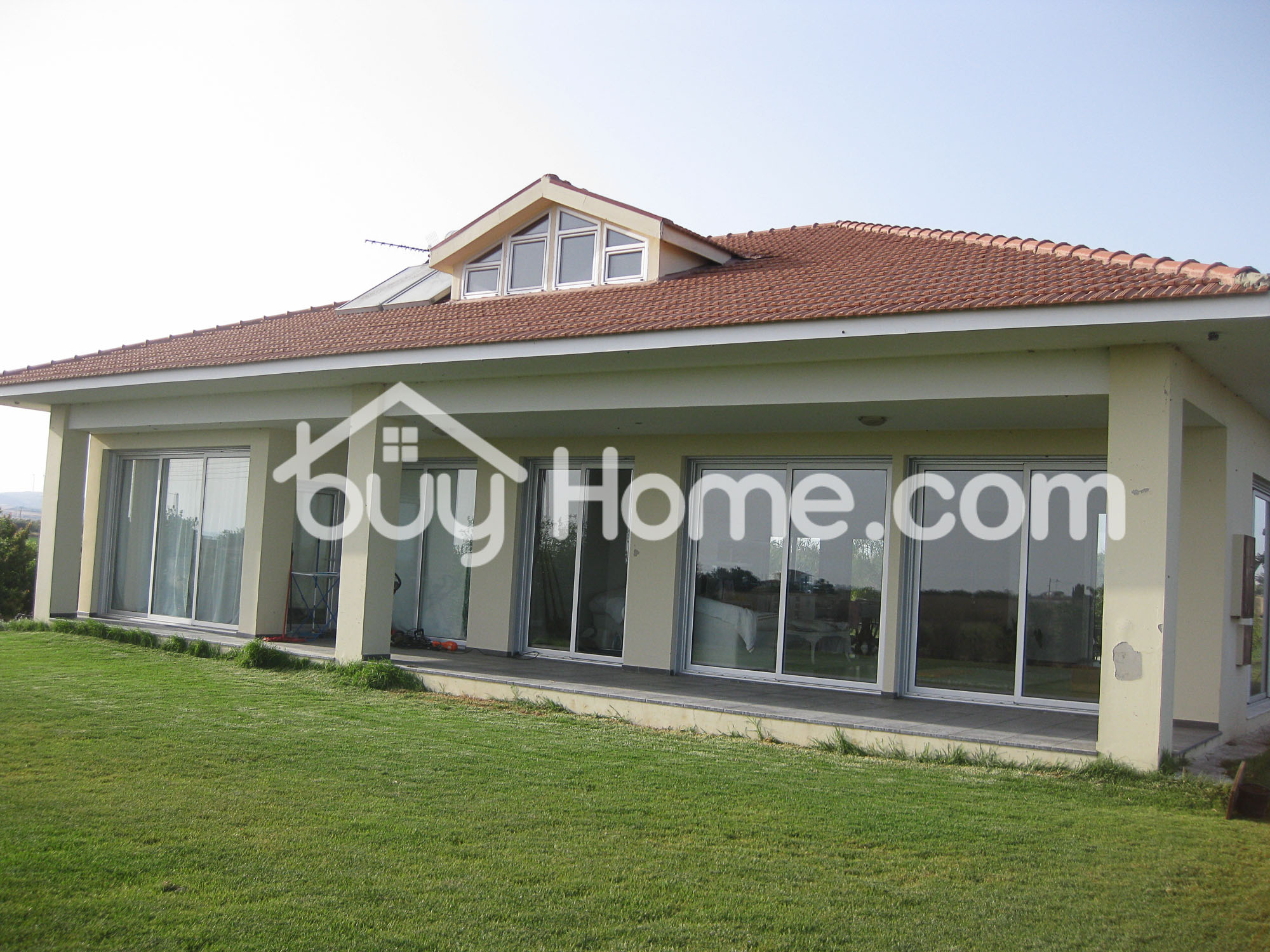 3 Bed Bungalow- Plot 6810 m2 | BuyHome