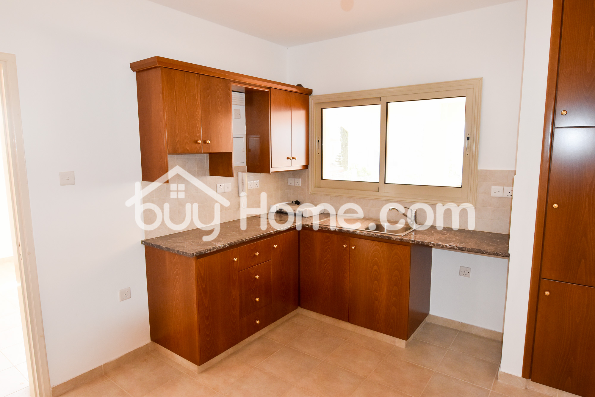 Houses In Agios Athanasios | BuyHome