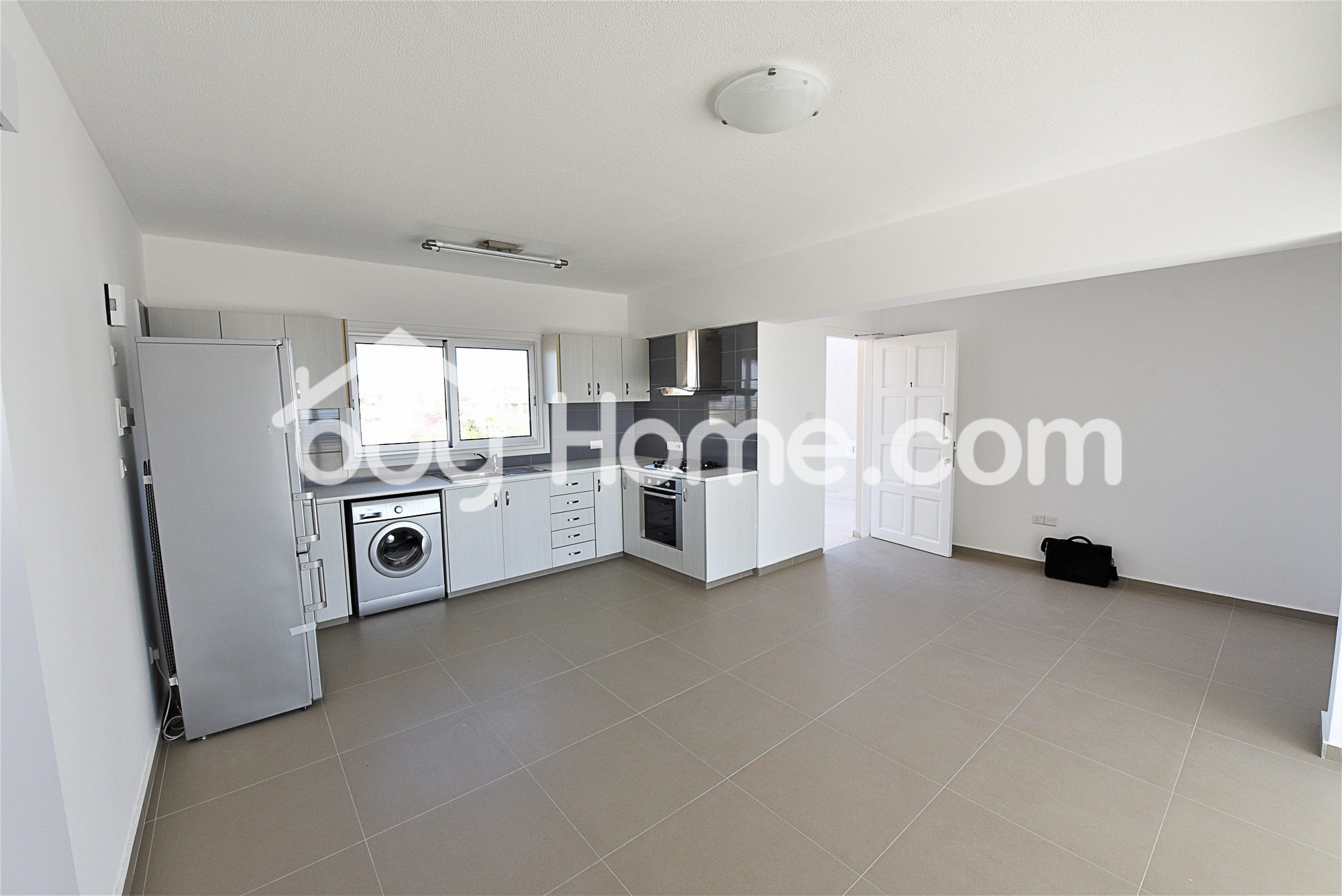 2 Bed Top Floor Sea View Apartment | BuyHome