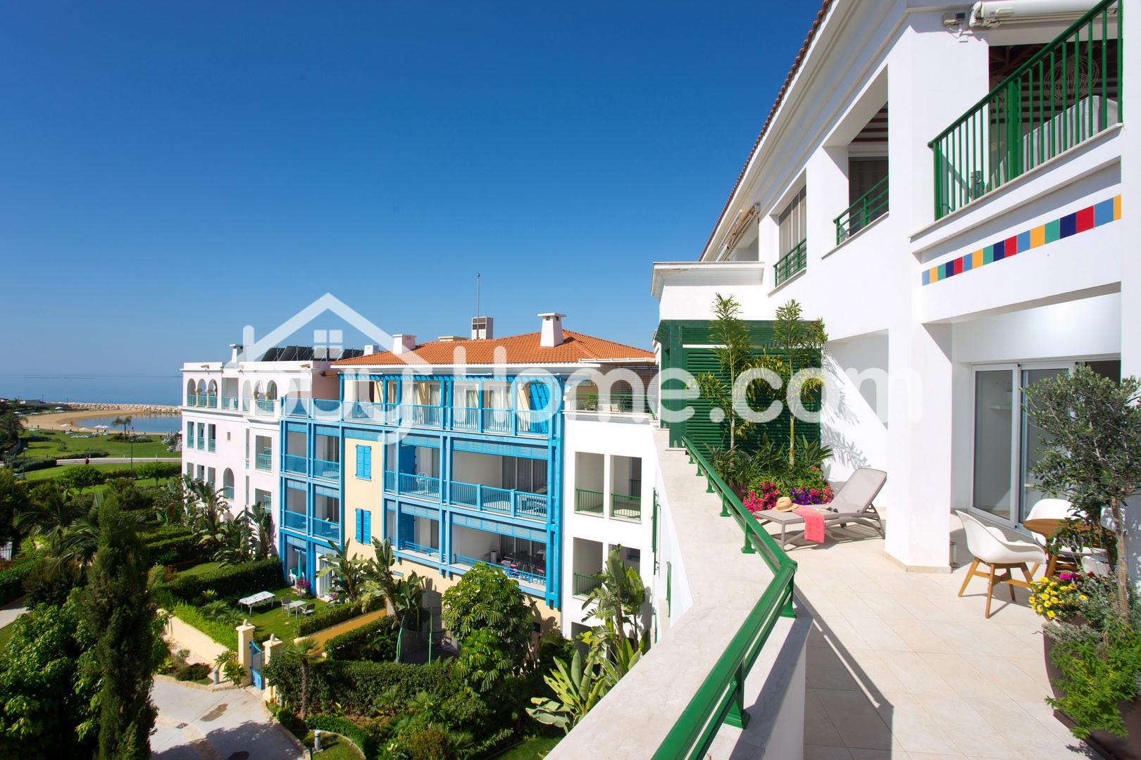 Marina Flat with Stunning Views | BuyHome