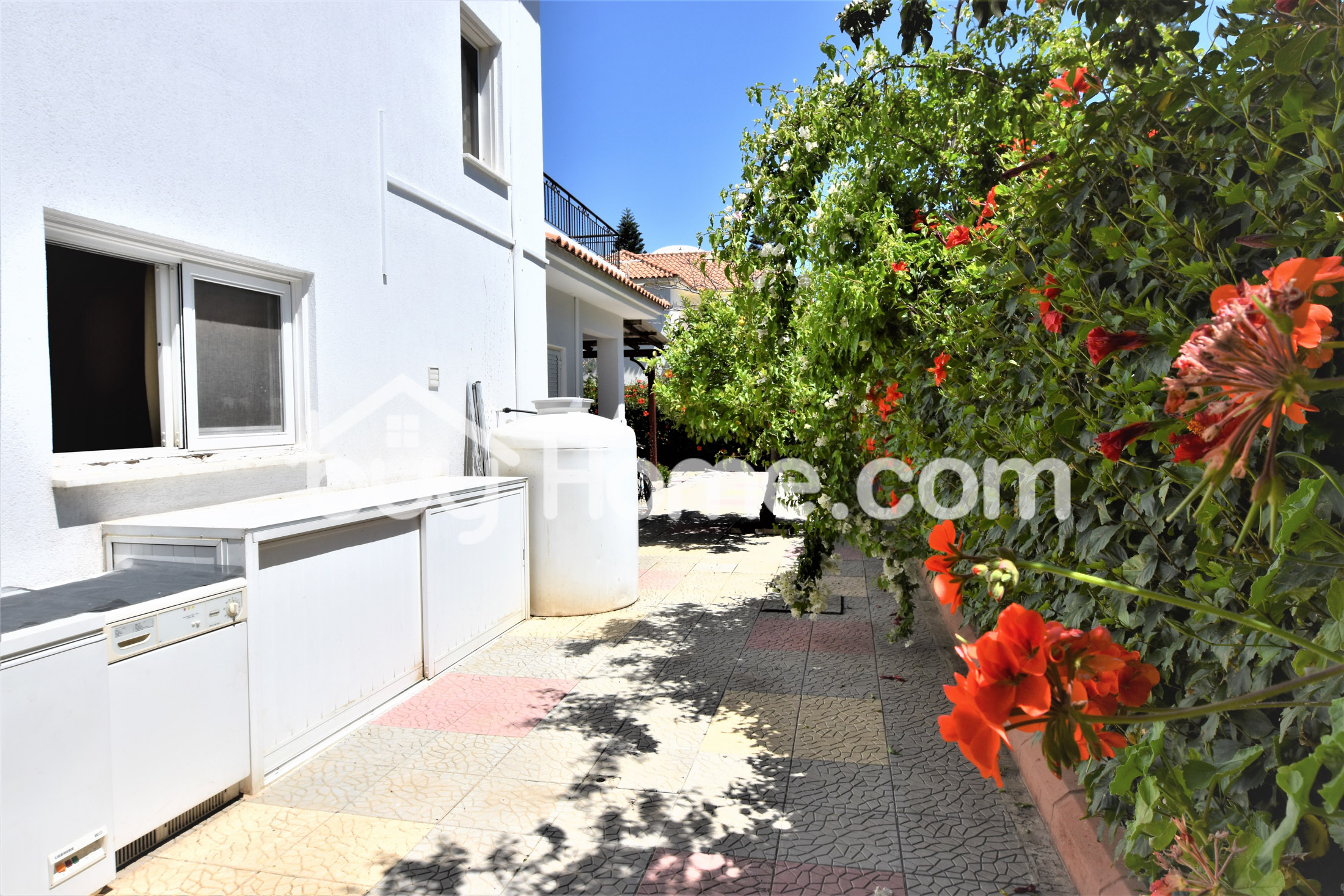 House 100 m From The Beach | BuyHome