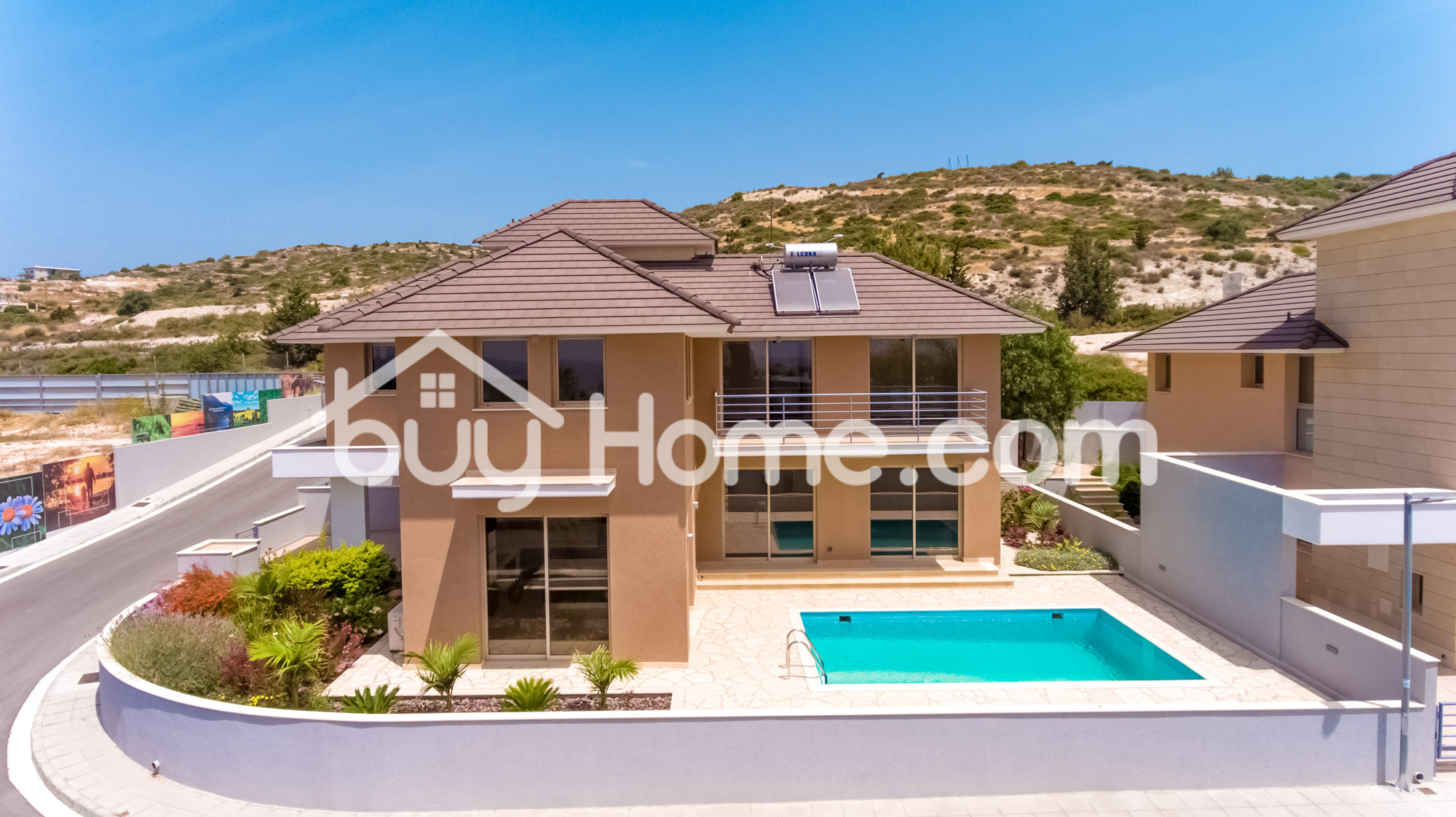 Investment  – 3 new-build villas in prime location | BuyHome