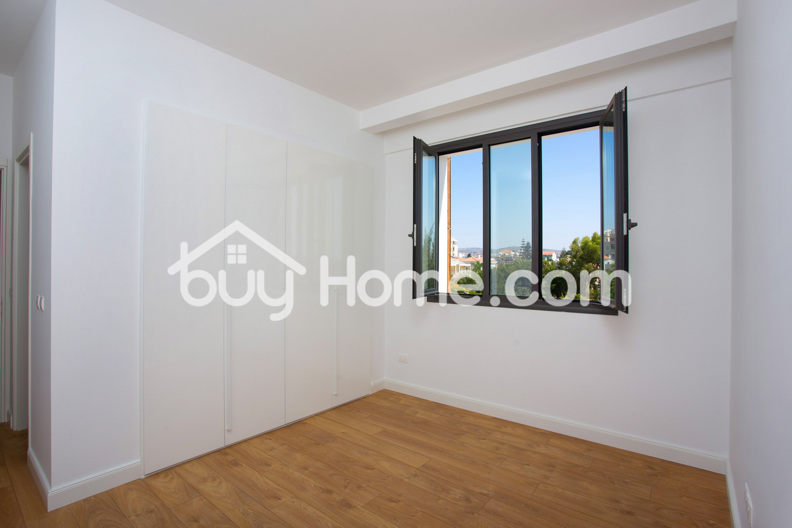 Modern 2 BDR Apartments | BuyHome
