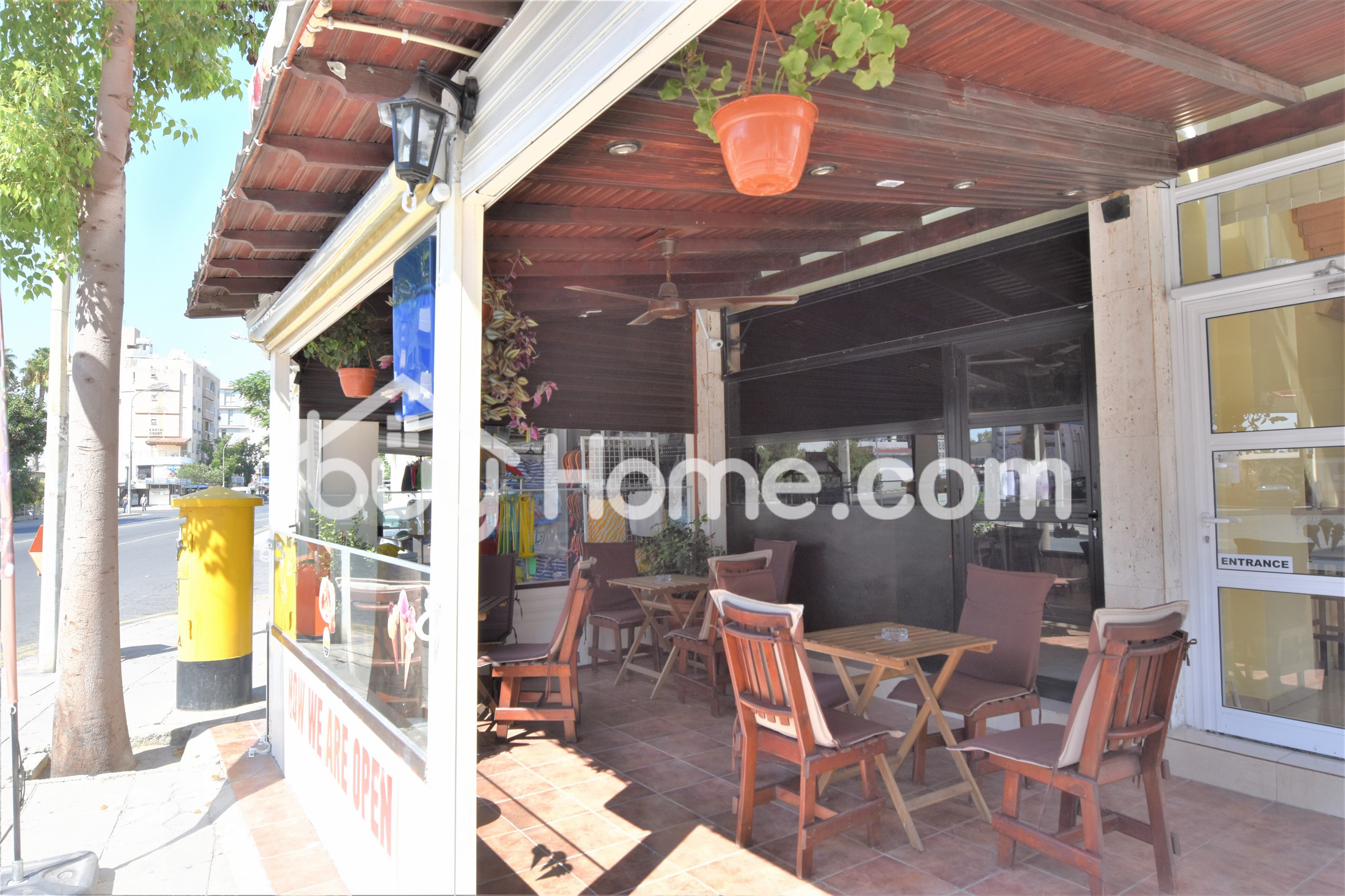Shop On Busy Commercial Road | BuyHome