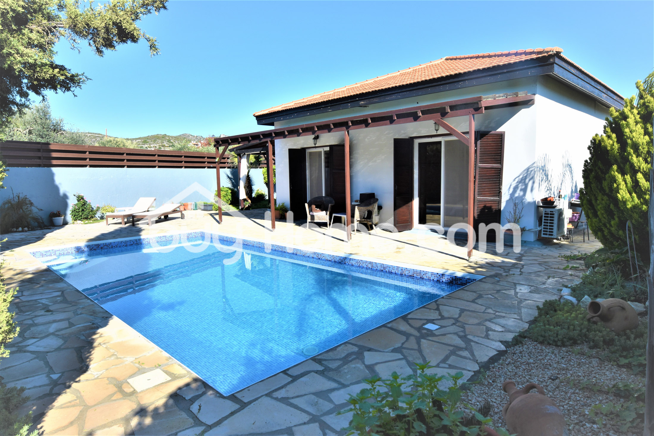 Bungalow With A Pool | BuyHome