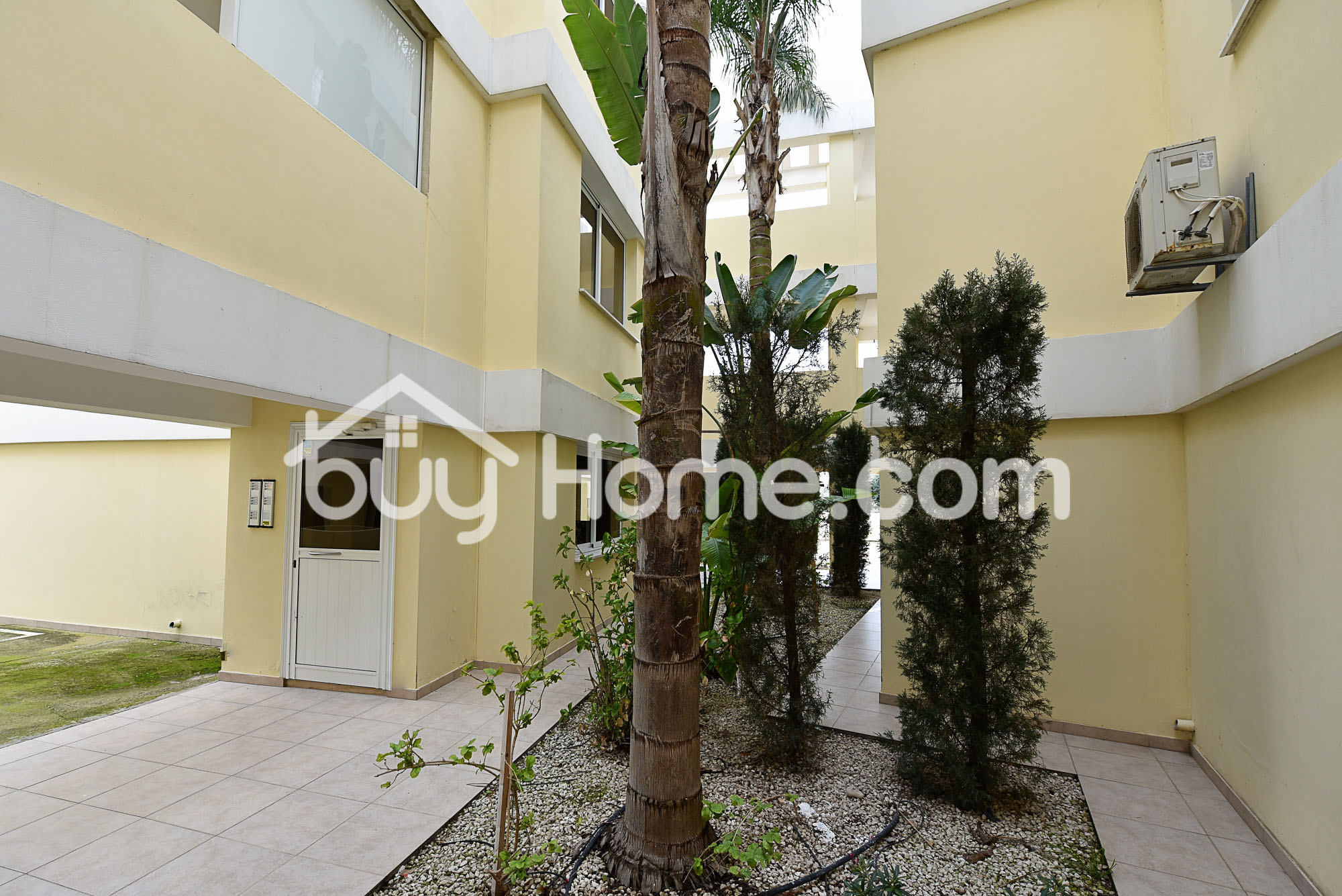 Lovely 2 Bedroom Apartment | BuyHome