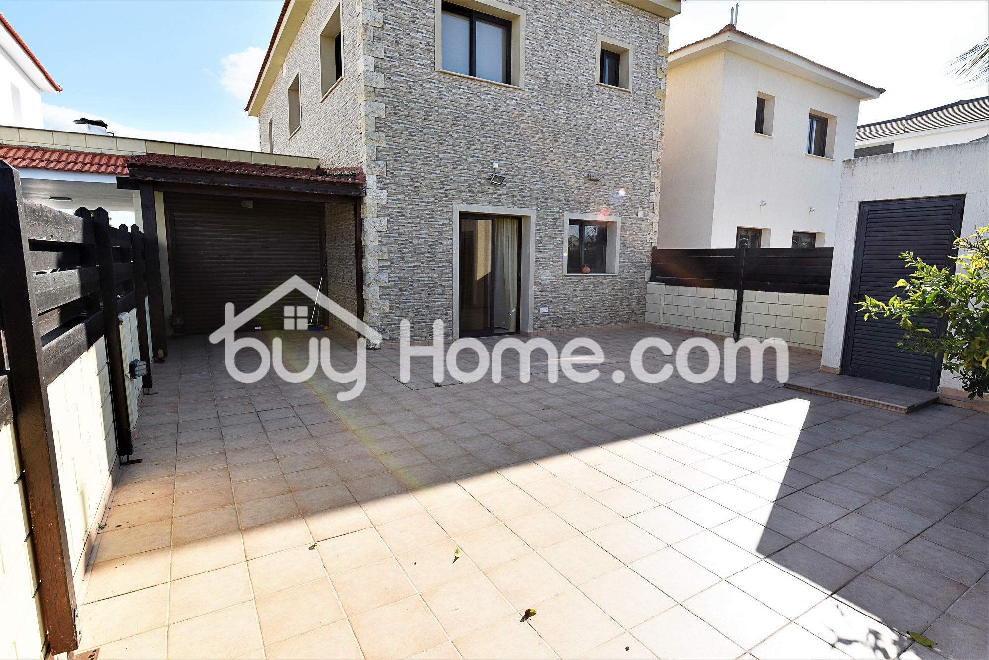 3 Bedroom Link Detached House | BuyHome