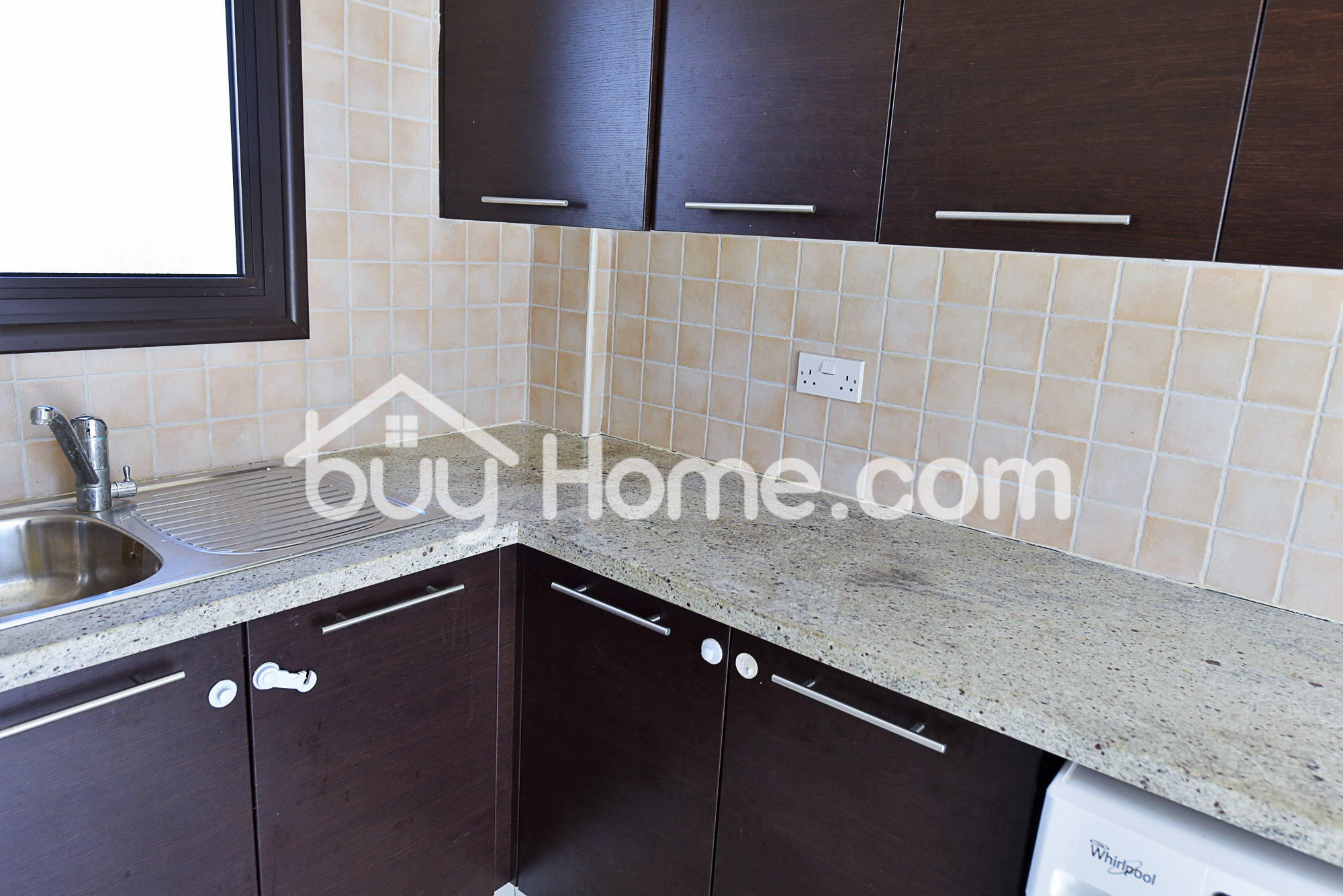 Lovely 4 Bedroom House with Pool | BuyHome