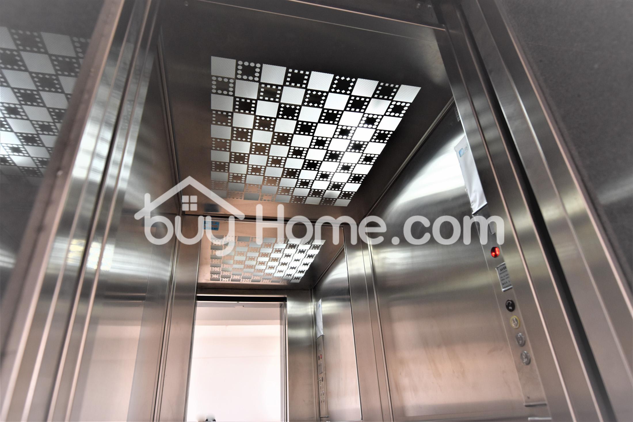 New Top Floor 2 Bed Apt | BuyHome