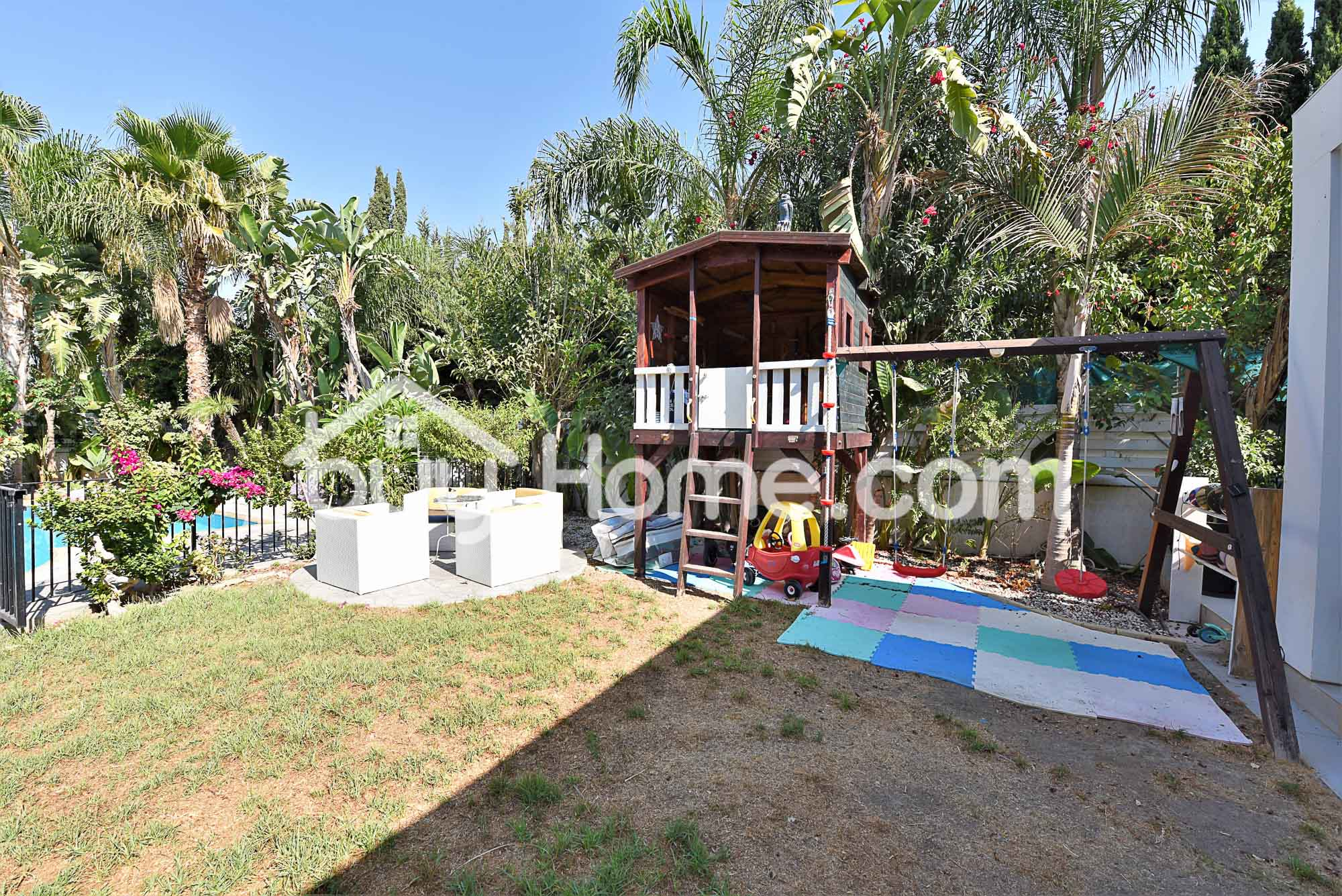 Deluxe Villa with Private Pool | BuyHome
